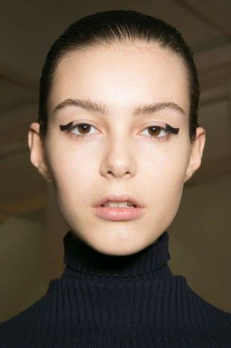 hbz-fw2015-trends-beauty-graphic-lines-suno-bks-a-rf15-6395